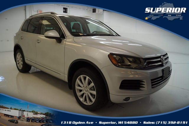 PRE-OWNED 2011 VOLKSWAGEN TOUAREG V6 TDI WITH NAVIGATION & AWD #BD006314